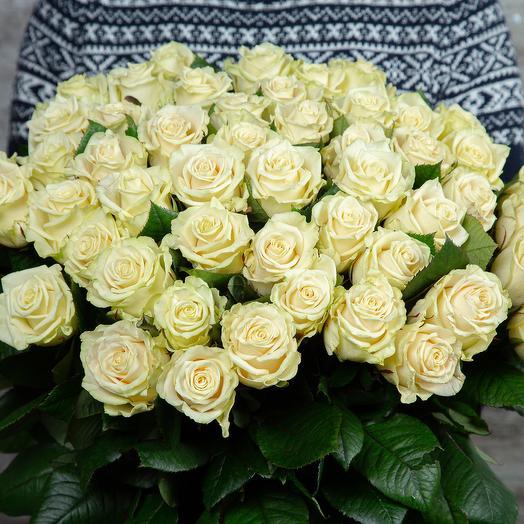 Букет из 51 белой розы, длина 50 см: букеты цветов на заказ Flowwow