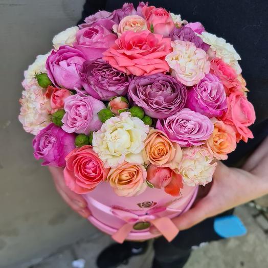 Коробочка из кустовых пионовидных роз