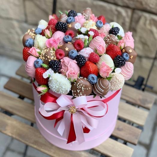 Букет из клубники «Нежность»: букеты цветов на заказ Flowwow