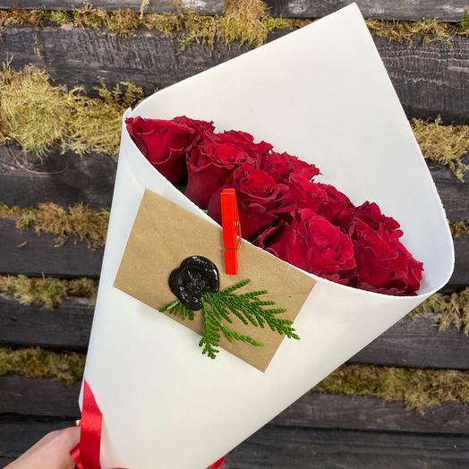 Букет Мадам Ред из 15  роз