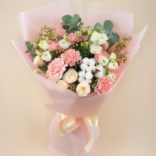 Букет с хлопком и пудровыми спрей-розами (122)