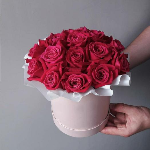 """Коробка""""25 малиновых роз"""""""