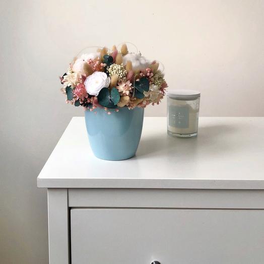 """Композиция из сухоцветов и стабилизированных цветов """"Зимнее утро"""""""