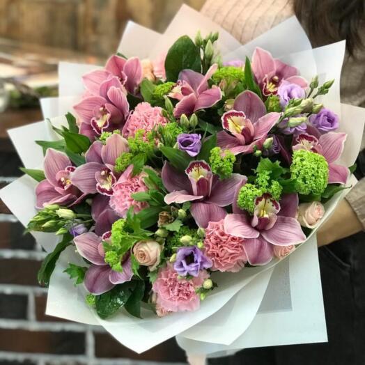 Букет Орхидеи, Гвоздик и Кустовых Роз