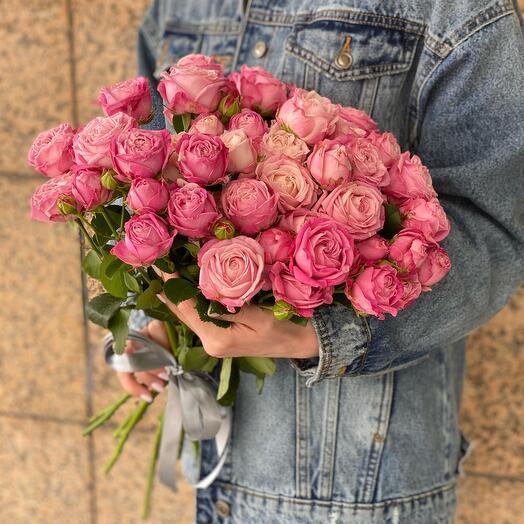 Букет из кустовых роз Бомбастик