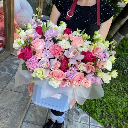 Шикарные Цветы в коробке