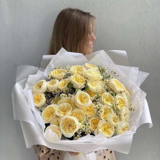 Монобукет Кустовые пионовидные розы Royal Park