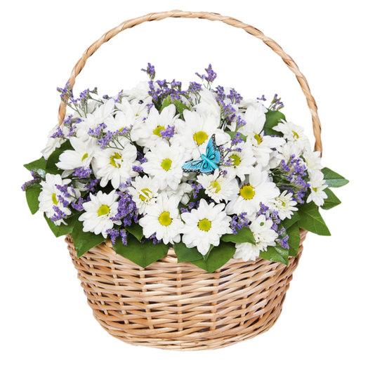Корзина с белыми ромашковаыми хризантемами: букеты цветов на заказ Flowwow