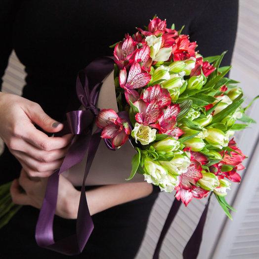 15 альстромерий в конусе: букеты цветов на заказ Flowwow