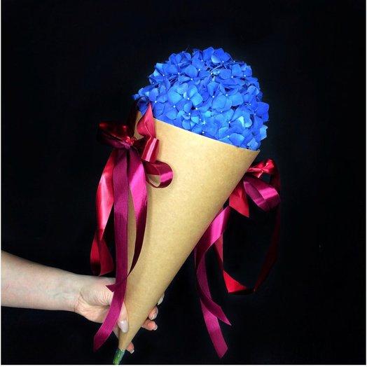 Гортензия в кульке: букеты цветов на заказ Flowwow