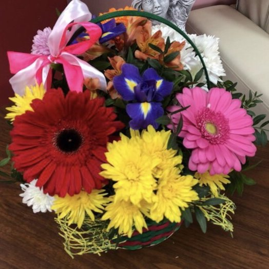 Цветочная композиция в корзинке: букеты цветов на заказ Flowwow