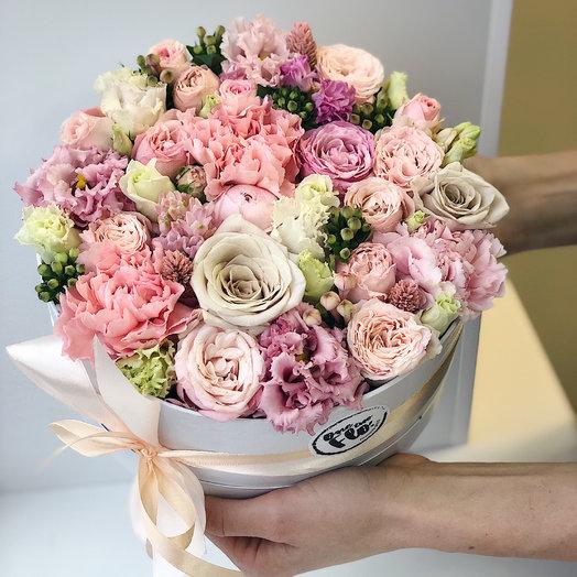 Цветочное пирожное: букеты цветов на заказ Flowwow