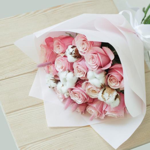 Букет из роз с хлопком