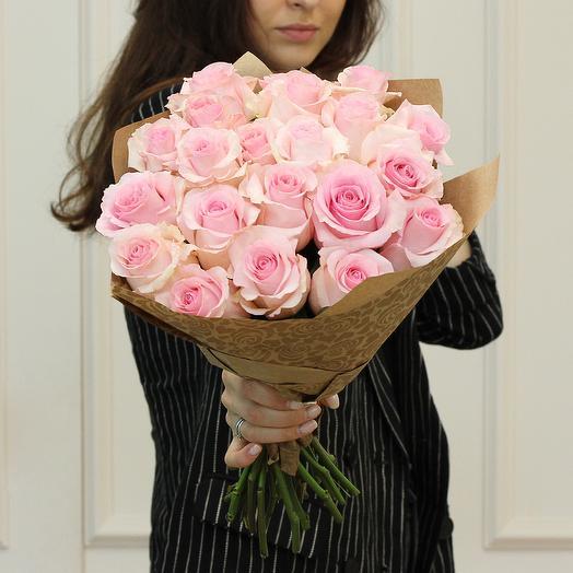 Букет из 21 розовой премиум розы: букеты цветов на заказ Flowwow