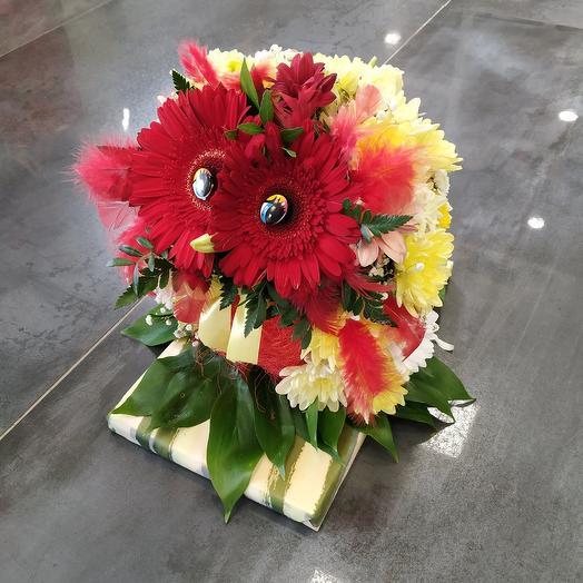 Забавная сова 🦉 из живых цветов: букеты цветов на заказ Flowwow