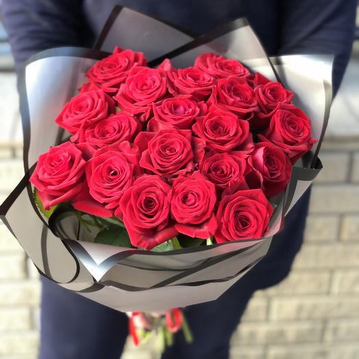 Букет из 19 роз: букеты цветов на заказ Flowwow