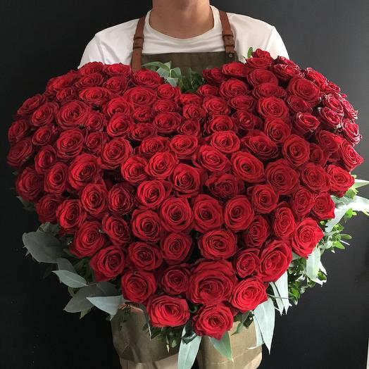 Сердце в корзине из 101 розы: букеты цветов на заказ Flowwow