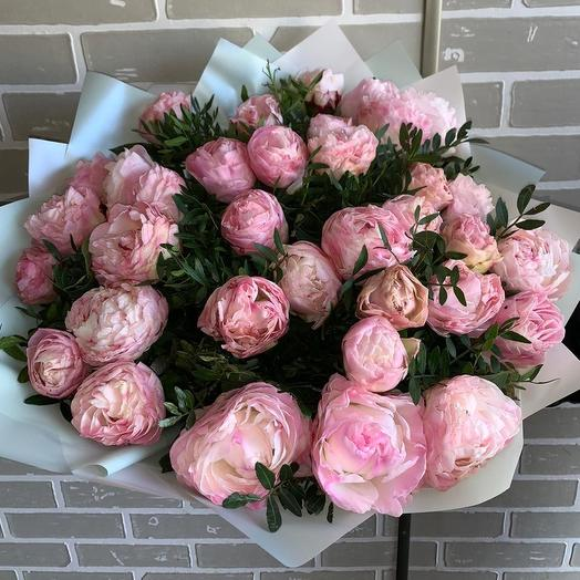 Букет из 35 душистых пионов: букеты цветов на заказ Flowwow