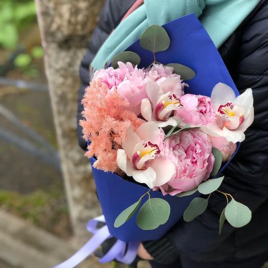Незабываемый комплимент: букеты цветов на заказ Flowwow