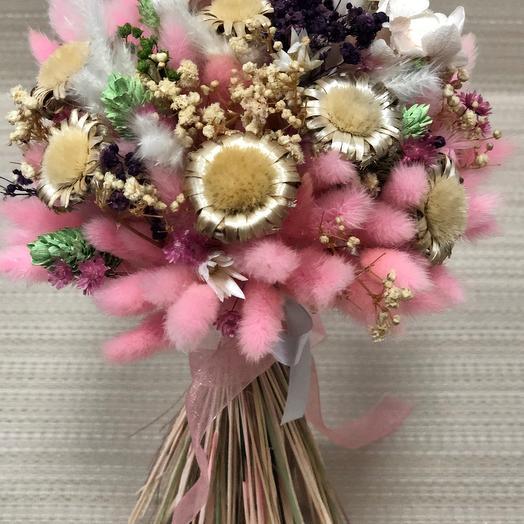 Букет сухоцветов с гортензией