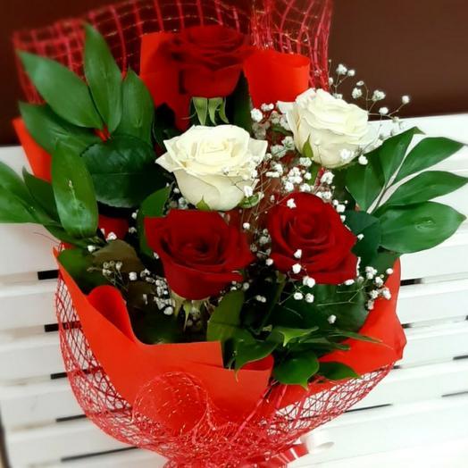 Розы в сетке