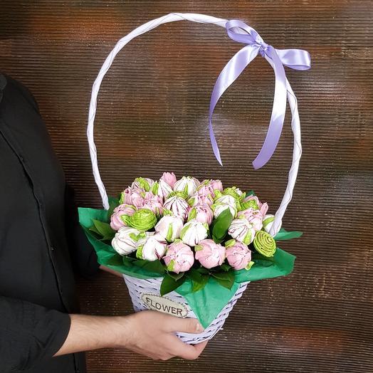 Зефирные тюльпаны в лавандовой корзине