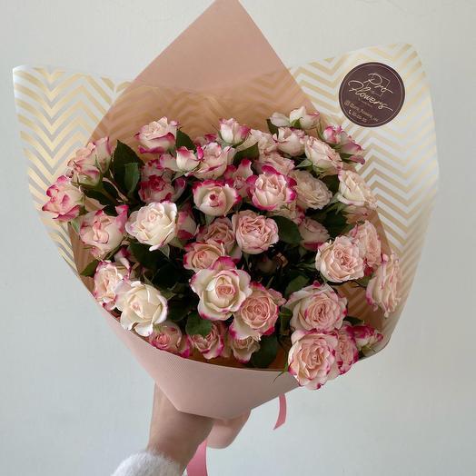 Монобукет из кустовых роз