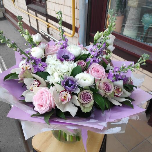 Букет цветов Моника Беллучи