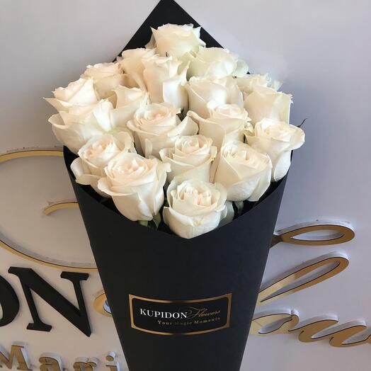 Конус на 19 роз