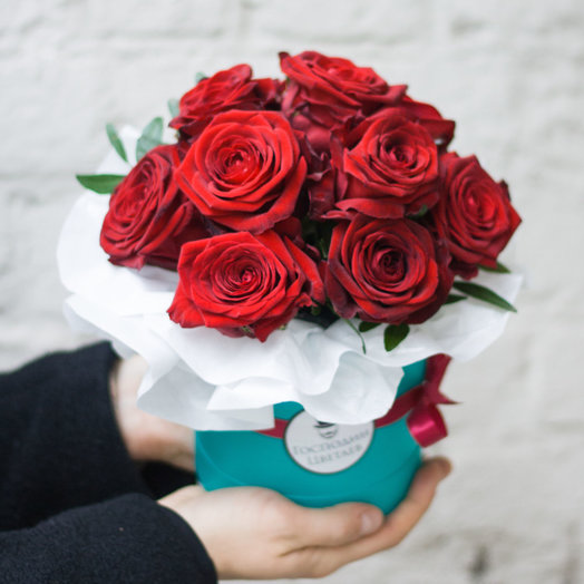 RED: Комплимент: букеты цветов на заказ Flowwow
