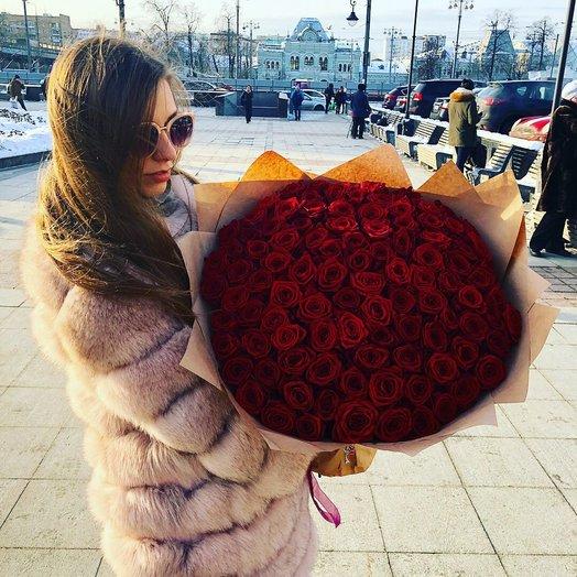 101 шикарная роза: букеты цветов на заказ Flowwow