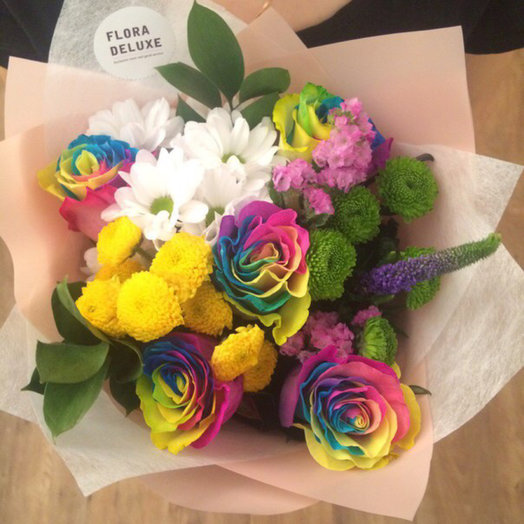 The bouquet HIT XS with rainbow roses: flowers to order Flowwow