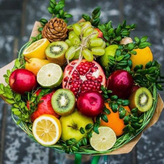 Фруктовый букет из разных фруктов