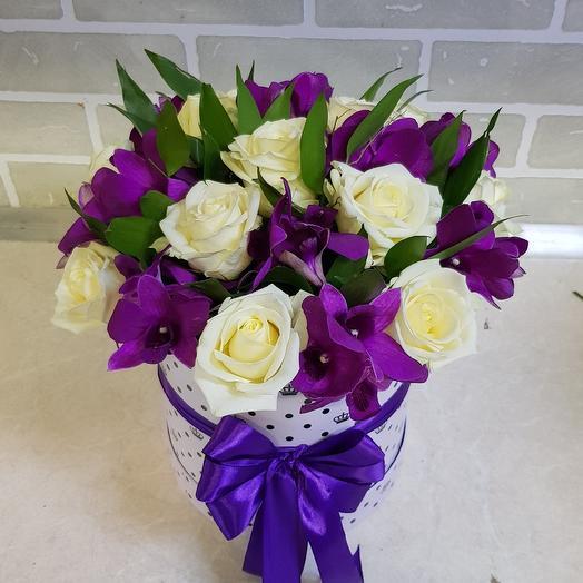 Коробочка из роз и орхидеи: букеты цветов на заказ Flowwow