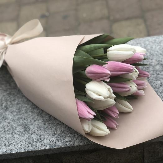 Букет из 21 тюльпанов: букеты цветов на заказ Flowwow