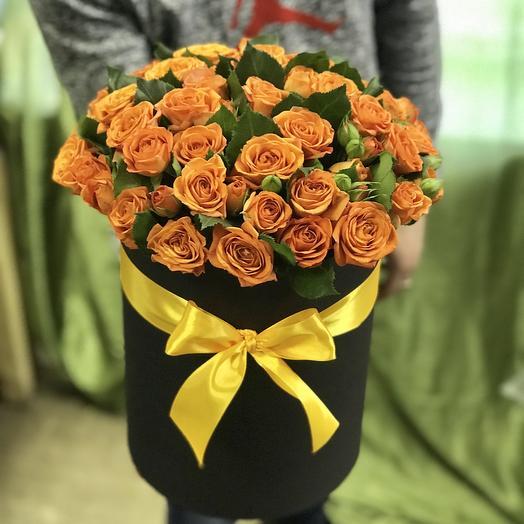 Кустовые розы в коробке: букеты цветов на заказ Flowwow