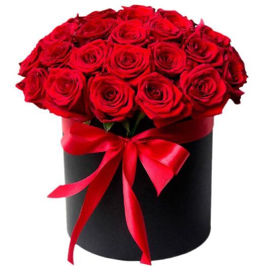 "Коробка с розами ""Шик"": букеты цветов на заказ Flowwow"