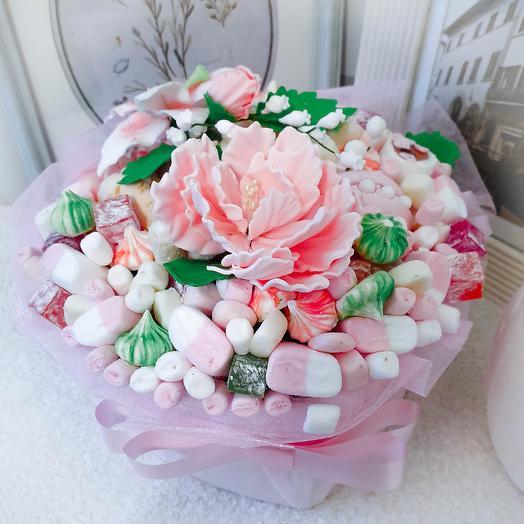 Коробка со сладостями: букеты цветов на заказ Flowwow
