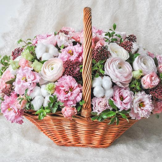Композиция с ранункулюсами: букеты цветов на заказ Flowwow