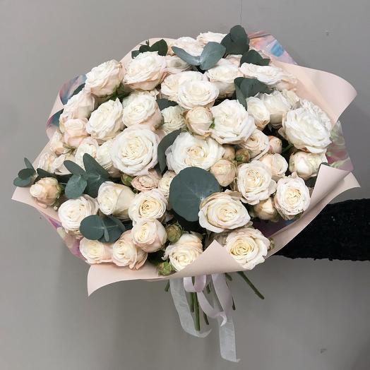 Букет из кустовых роз Бомбастик: букеты цветов на заказ Flowwow
