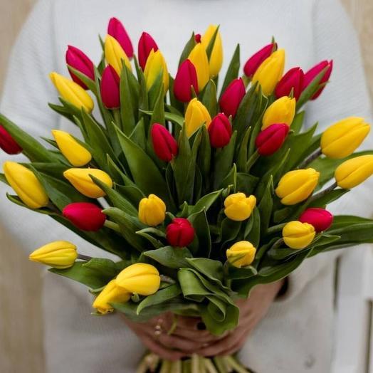 Яркий микс из тюльпанов