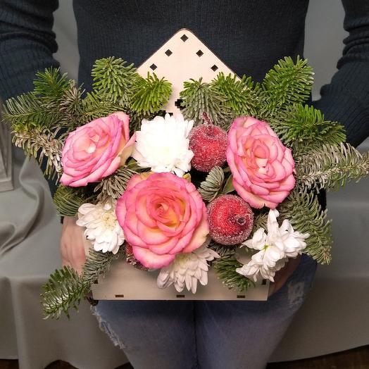 Новогодняя коробка: букеты цветов на заказ Flowwow
