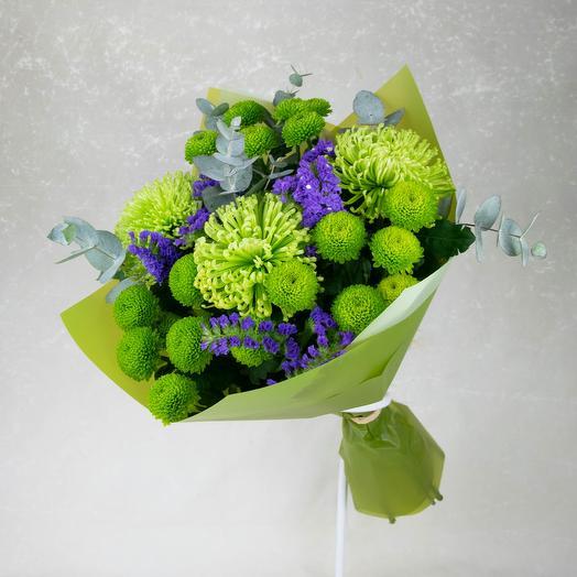 Зеленый букет с хризантемами