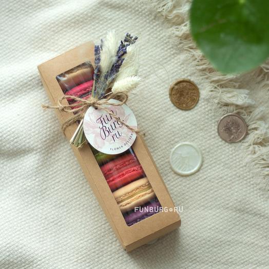 Коробочка с макарунами «Приятный сюрприз» 7шт: букеты цветов на заказ Flowwow