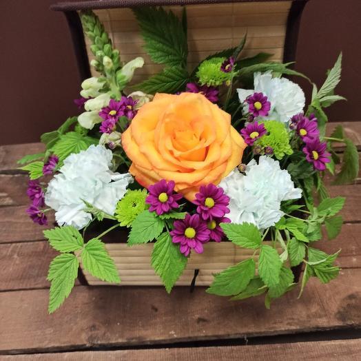 Сундучок: букеты цветов на заказ Flowwow