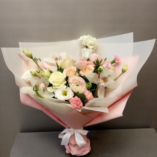 Пудровые оттенки роз