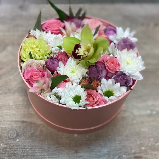 Нежная Коробка с цветами