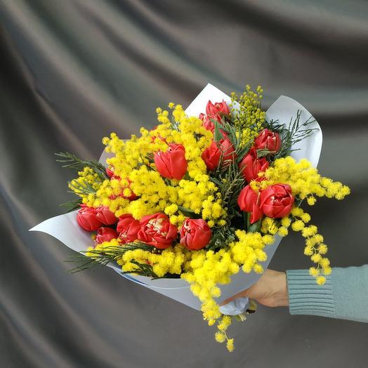 """Букет""""Тюльпаны с мимозой"""""""