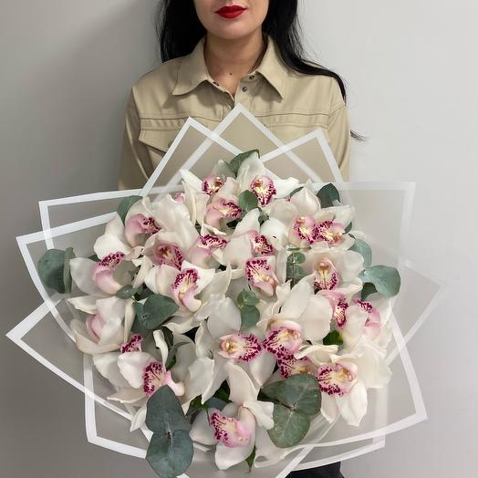 Букет из орхидей L