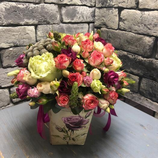 Цветы в коробке Маргарет